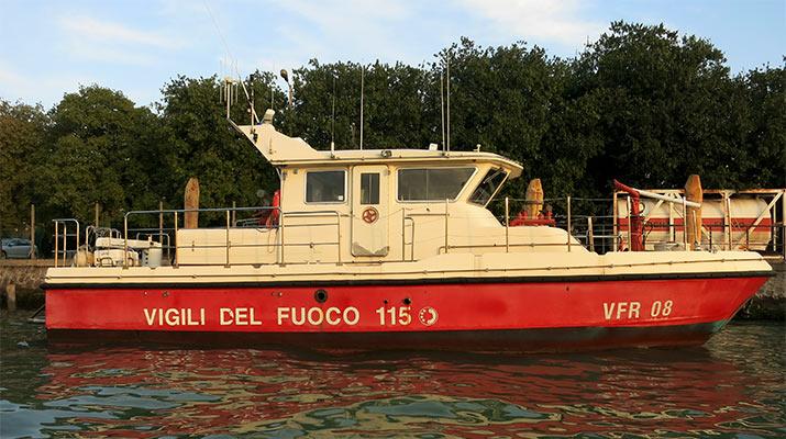 venice-fire-boat