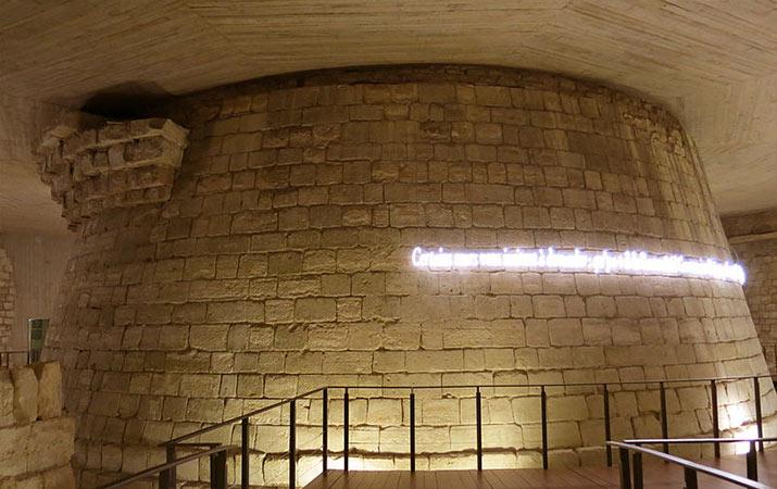 paris-louvre-medieval-castle-keep-foundations-715