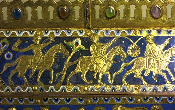 paris-museum-middle-ages-moyen-age-enamel-reliquary-three-wise-men-715