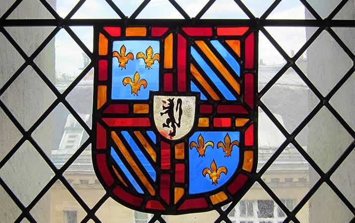 paris-tour-jean-sans-coat-of-arms-715