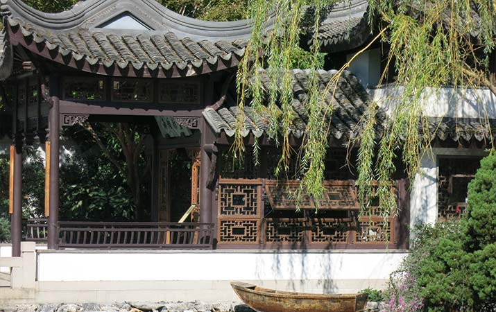 lan-su-chinese-garden-portland-painted-boat-misty-rain-pavilion-715