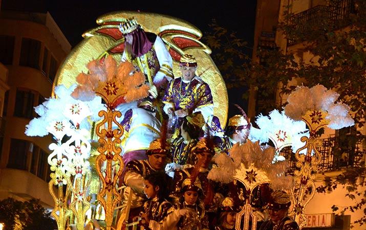 seville-three-kings-parade01-715