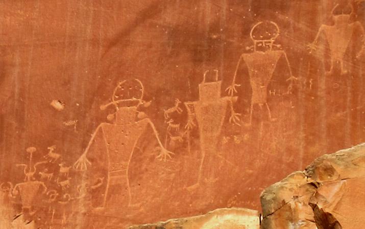 capitol-reef-national-park-petroglyphs-715
