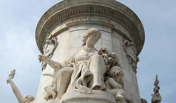 statue-place-de-la-republic-paris-fraternite-v2