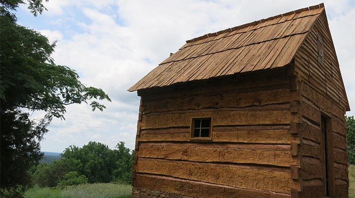 monticello-slave-cabin