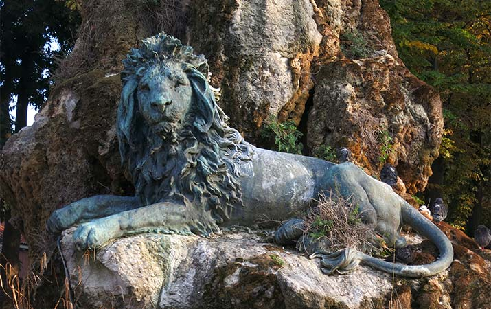 lion-saint-mark-venice-viale-garibaldi-715