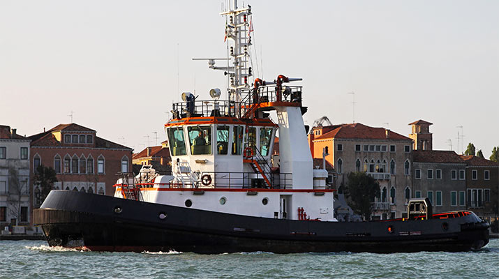 venice-tugboat