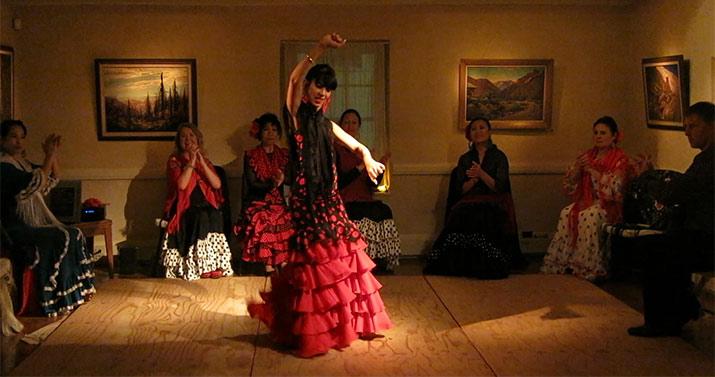 monterey-casa-guiterriez-christmas-flamenco-715