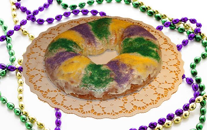 mardi-gras-king-cake-715