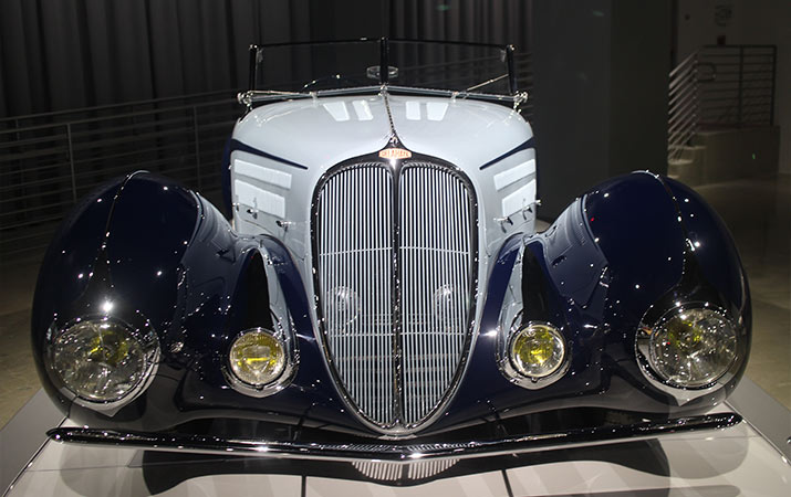 petersen-automotive-museum-1938-delahaye-715