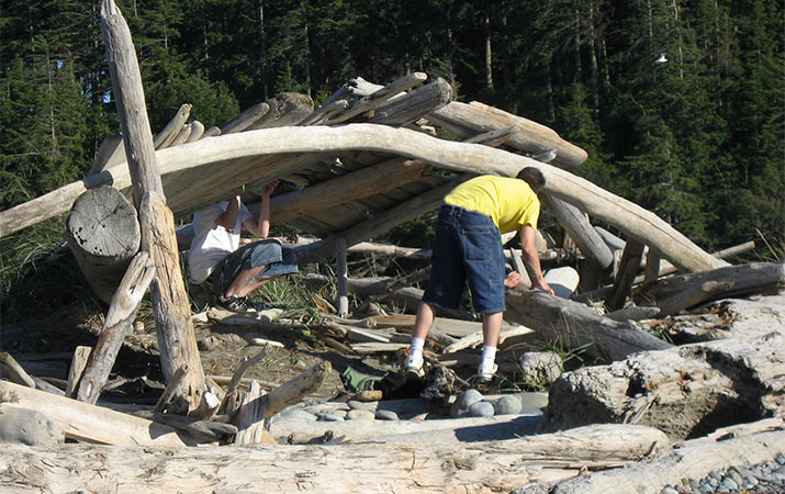 building-driftwood-fort-dungeness-spit-oregon-715