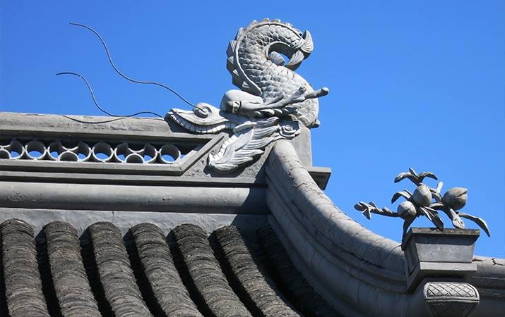 lan-su-chinese-garden-portland-chiwen-dragonfish-715