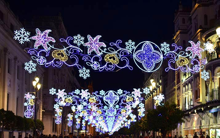 seville-christmas-constitution-ave-lights-715
