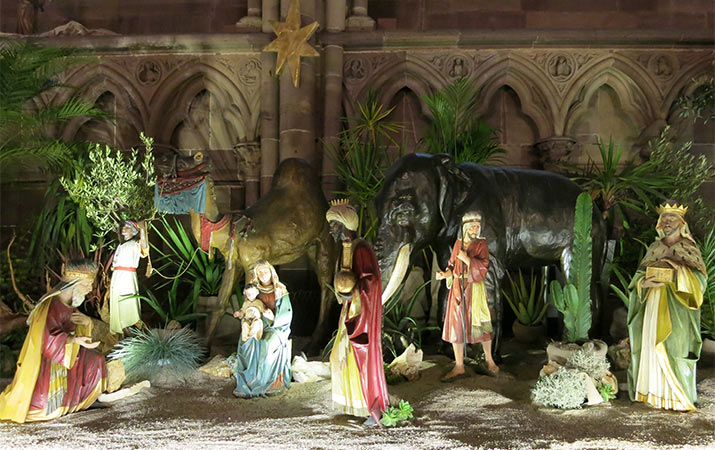 strasbourg-cathedral-nativity-scene-715