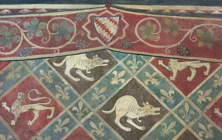 florence-italy-palazzo-davanzati-cloth-covering-room-sala-impannate-walls715