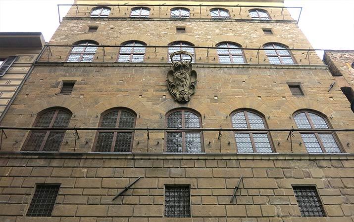 florence-italy-palazzo-davanzati-exterior-715