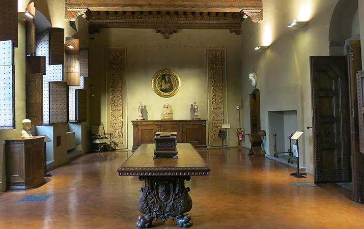 florence-italy-palazzo-davanzati-great-hall-715