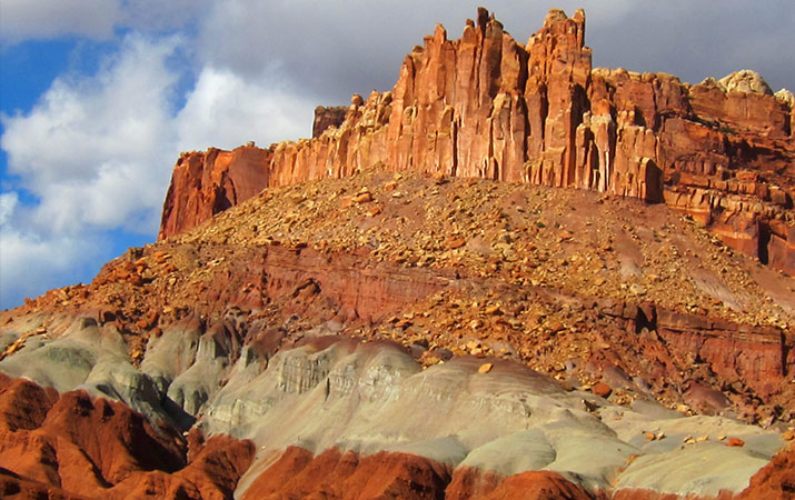 capitol-reef-national-park-castle-rock-formation-715
