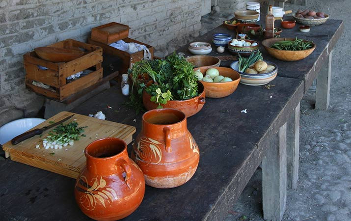 petaluma-adobe-living-history-day-cooking-table-715
