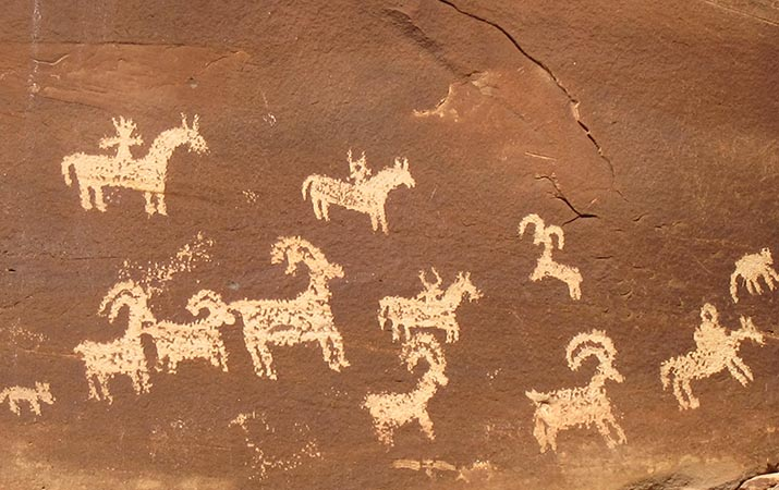 arches-national-park-utah-petroglyphs-715