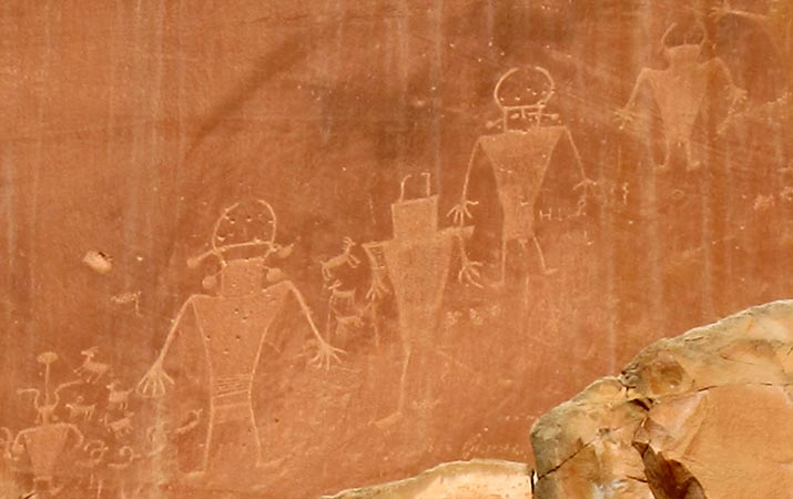 capitol-reef-national-park-petroglyphs-715