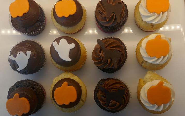 napa-oxbow-public-market-cupcakes-715